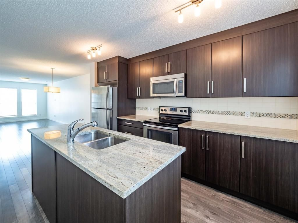 Photo 8: Photos: 544 Mckenzie Towne Close SE in Calgary: McKenzie Towne Row/Townhouse for sale : MLS®# A1128660