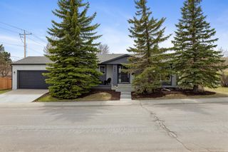 Photo 2: 224 Norseman Road NW in Calgary: North Haven Upper Detached for sale : MLS®# A1107239