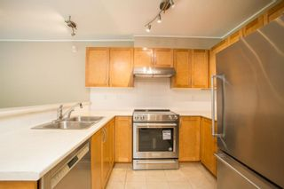 """Photo 3: 301 333 E 1ST Street in North Vancouver: Lower Lonsdale Condo for sale in """"Vista West"""" : MLS®# R2587736"""