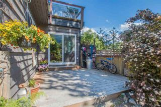 Photo 3: 1029 BROTHERS Place in Squamish: Northyards 1/2 Duplex for sale : MLS®# R2590773