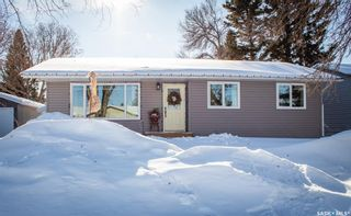 Photo 1: 111 Churchill Drive in Melfort: Residential for sale : MLS®# SK841617