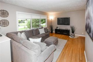 Photo 3: 882 Borebank Street in Winnipeg: River Heights South Residential for sale (1D)  : MLS®# 1925213