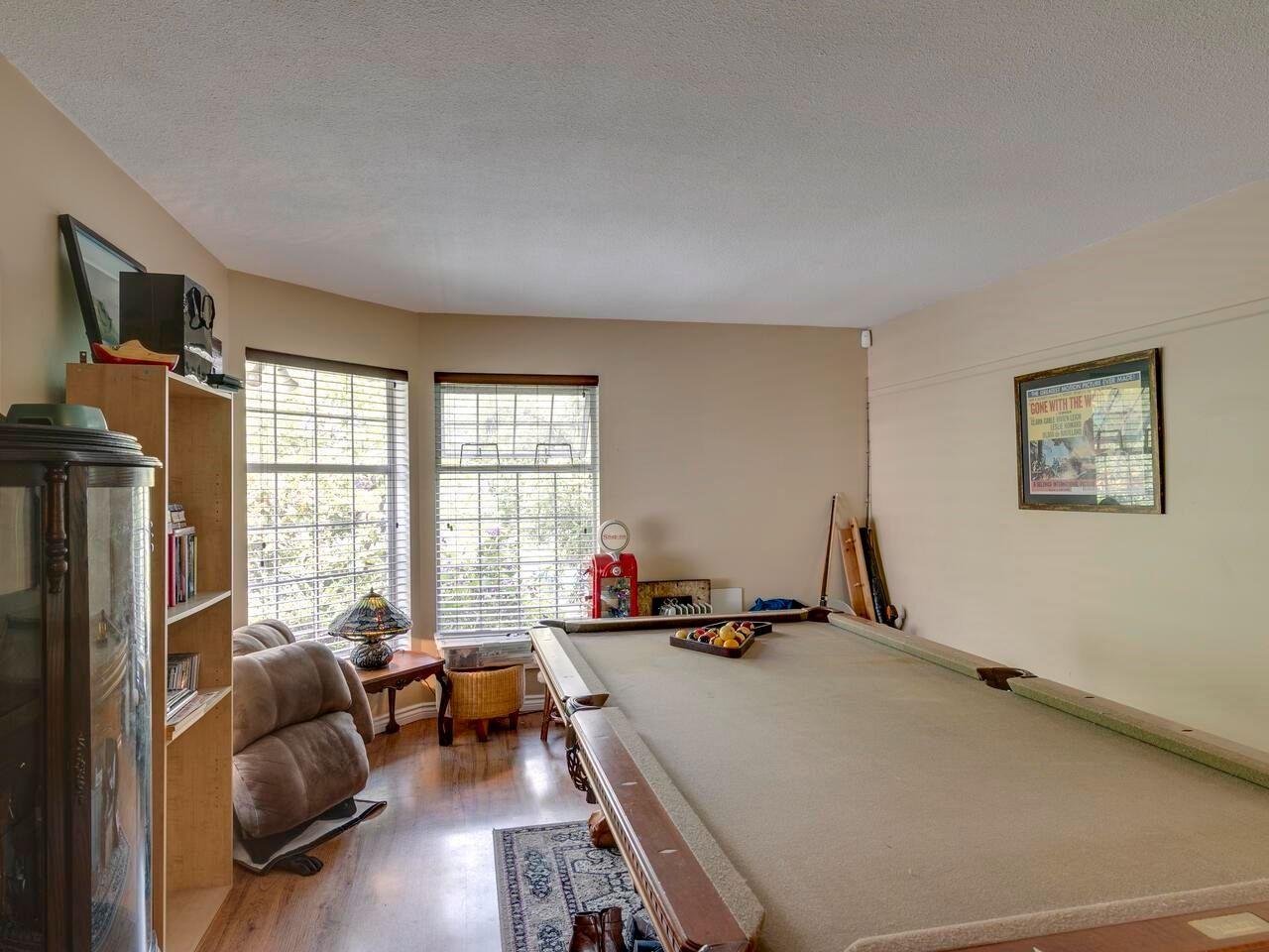 "Photo 6: Photos: 21374 RIVER Road in Maple Ridge: Southwest Maple Ridge House for sale in ""River Road"" : MLS®# R2600142"