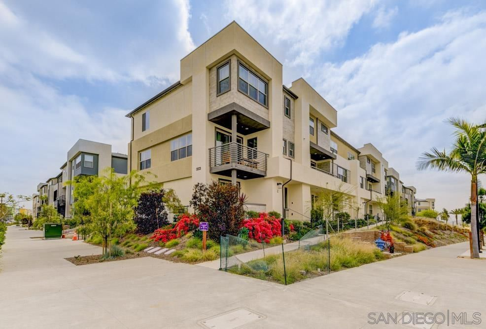 Main Photo: CHULA VISTA Townhouse for sale : 4 bedrooms : 1812 Mint Ter #2