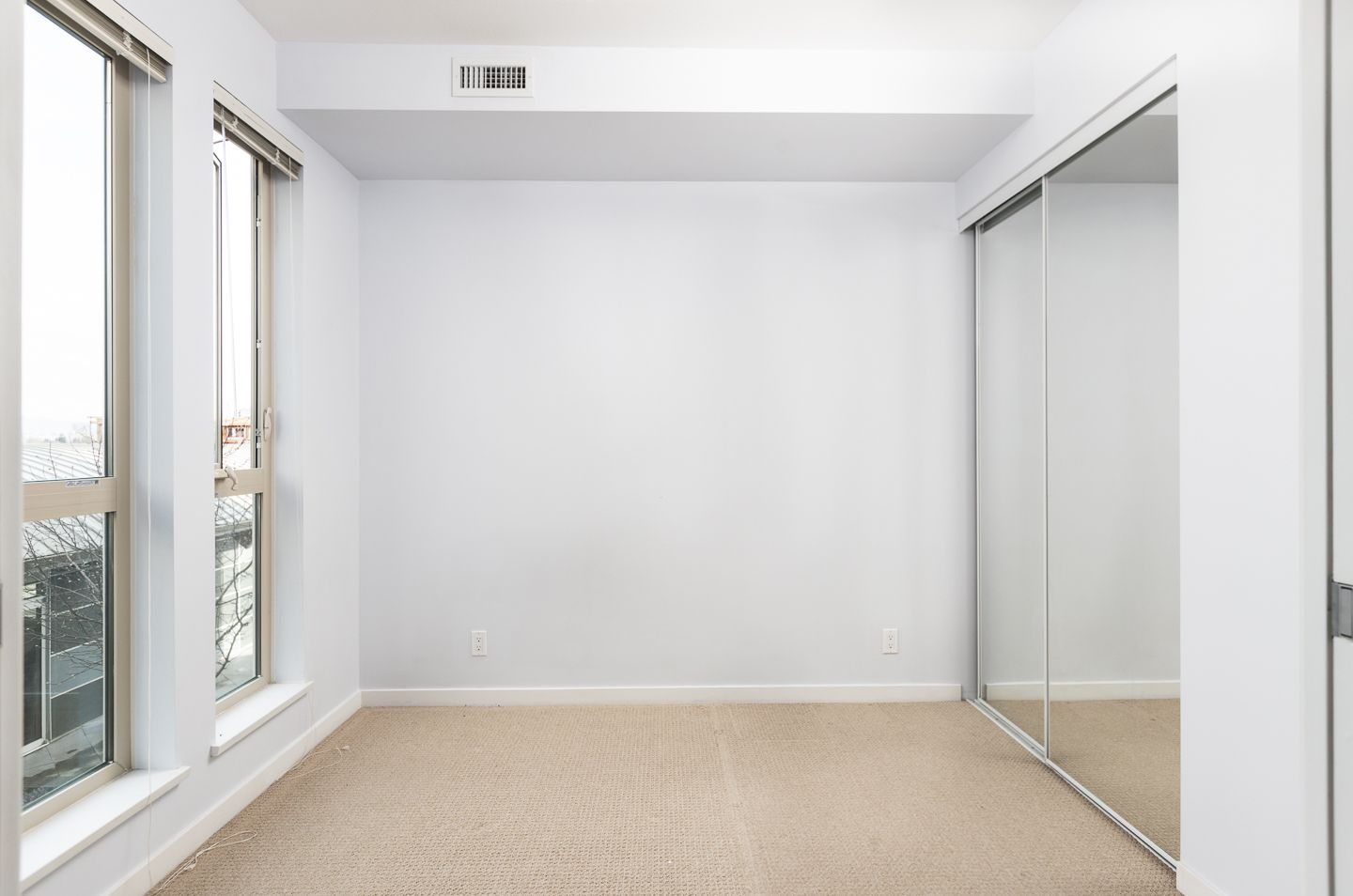 """Photo 5: Photos: 398 4133 STOLBERG Street in Richmond: West Cambie Condo for sale in """"REMY"""" : MLS®# R2346202"""