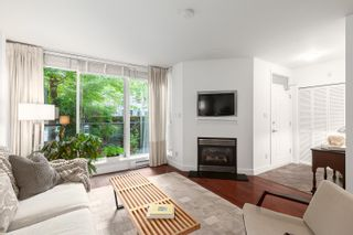 """Photo 3: 1409 W 7TH Avenue in Vancouver: Fairview VW Townhouse for sale in """"Sienna @ Portico"""" (Vancouver West)  : MLS®# R2623032"""