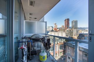 """Photo 11: 1106 550 TAYLOR Street in Vancouver: Downtown VW Condo for sale in """"THE TAYLOR"""" (Vancouver West)  : MLS®# R2335310"""