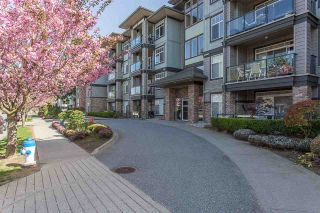 Photo 2: 409 33338 MAYFAIR AVENUE in Abbotsford: Central Abbotsford Condo for sale : MLS®# R2346998