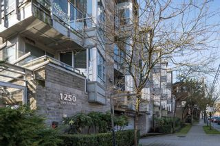 """Photo 17: 1 1250 W 6TH Avenue in Vancouver: Fairview VW Townhouse for sale in """"Silver"""" (Vancouver West)  : MLS®# R2624702"""