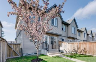 Photo 4: 2516 Eversyde Avenue SW in Calgary: Evergreen Row/Townhouse for sale : MLS®# A1117867