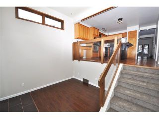 Photo 16: 2303 WESTMOUNT Road NW in Calgary: West Hillhurst House for sale : MLS®# C4014355