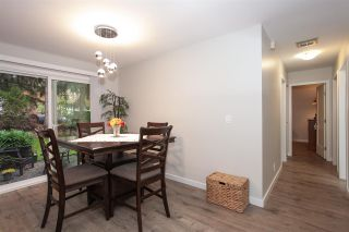 """Photo 5: 6088 W GREENSIDE Drive in Surrey: Cloverdale BC Townhouse for sale in """"Greenside Estates - Cluster 15"""" (Cloverdale)  : MLS®# R2318848"""