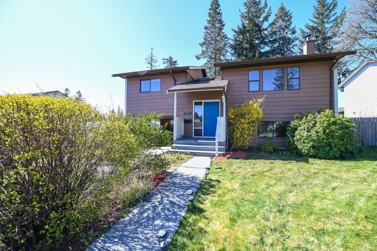 Main Photo: 4643 Macintyre Ave in : CV Courtenay East House for sale (Comox Valley)  : MLS®# 872744