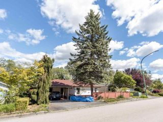 Photo 2: 5373 BRAELAWN Drive in Burnaby: Parkcrest House for sale (Burnaby North)  : MLS®# R2587251