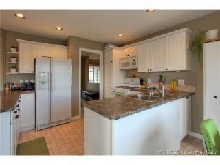 Photo 4: 2249 Lillooet Crescent in Kelowna: Other for sale : MLS®# 10043907