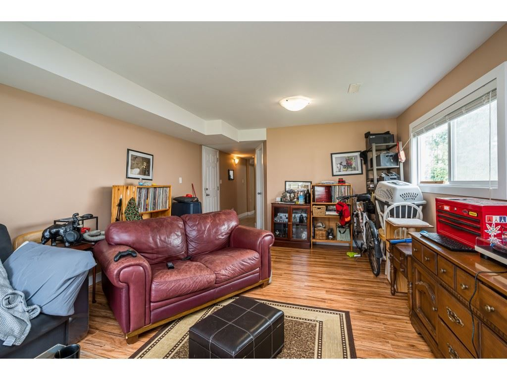 Photo 19: Photos: 20305 50 AVENUE in Langley: Langley City House for sale : MLS®# R2561802