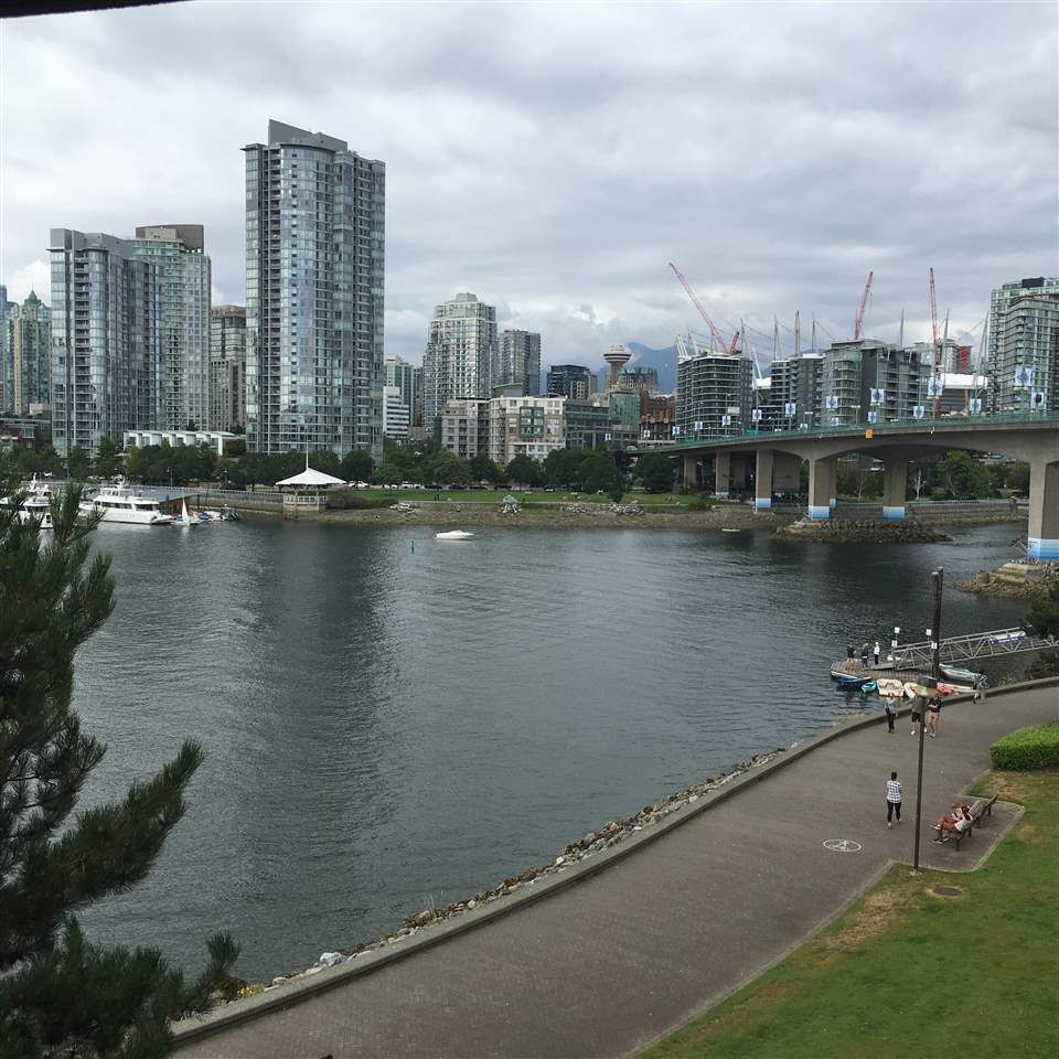 Photo 3: Photos: 411 1859 SPYGLASS Place in Vancouver: False Creek Condo for sale (Vancouver West)  : MLS®# R2100993