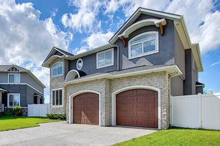 Photo 3: 105 KINNIBURGH Bay: Chestermere Detached for sale : MLS®# A1116532