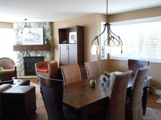 "Photo 3: 15367 Buena Vista Avenue Avenue in White Rock: Condo for sale in ""The ""PALMS"""""