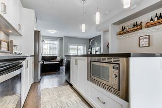 """Photo 3: 60 11305 240TH Street in Maple Ridge: Cottonwood MR Townhouse for sale in """"MAPLE HEIGHTS"""" : MLS®# R2559877"""