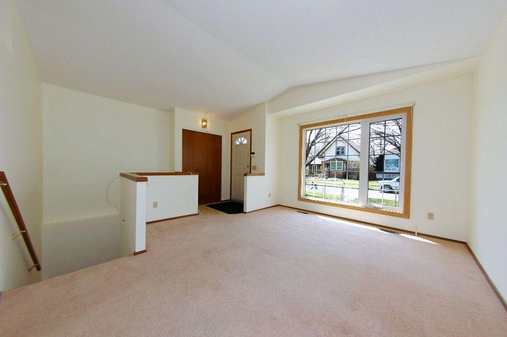 Photo 3: Photos: 225 Roseberry Street in Winnipeg: St. James Single Family Detached for sale (West Winnipeg)  : MLS®# 1611025