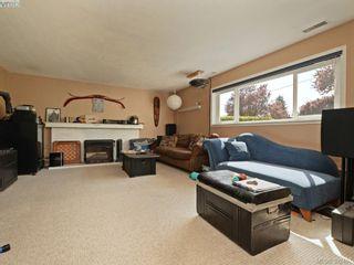 Photo 18: 1075 Gosper Cres in VICTORIA: Es Kinsmen Park House for sale (Esquimalt)  : MLS®# 788714