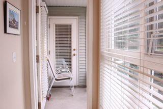 Photo 8: 204 1201 Hillside Ave in : Vi Hillside Condo for sale (Victoria)  : MLS®# 861720