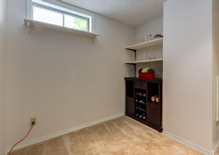 Photo 35: 121 Woodfield Close SW in Calgary: Woodbine Detached for sale : MLS®# A1126289