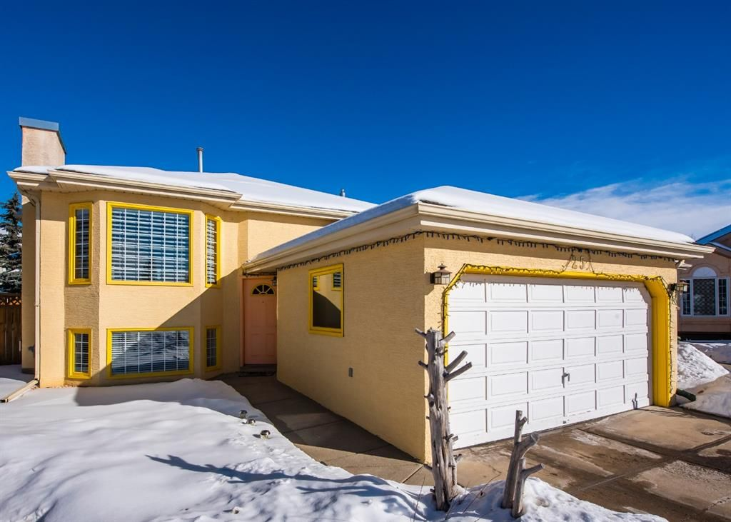Main Photo: 25 Millbank Bay SW in Calgary: Millrise Detached for sale : MLS®# A1072623