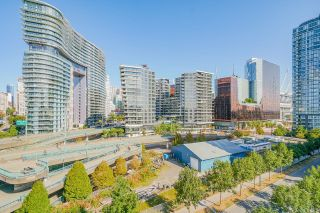 """Photo 12: 805 980 COOPERAGE Way in Vancouver: Yaletown Condo for sale in """"COOPERS POINTE by Concord Pacific"""" (Vancouver West)  : MLS®# R2614161"""