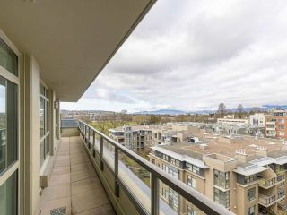 """Photo 7: 720 2799 YEW Street in Vancouver: Kitsilano Condo for sale in """"TAPESTRY AT THE O'KEEFE"""" (Vancouver West)  : MLS®# R2605737"""