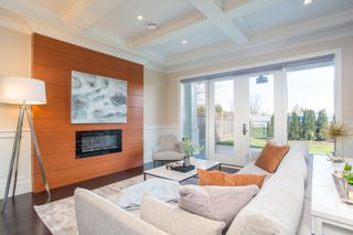 Photo 5: 10700 HOLLYBANK Drive in Richmond: Steveston North House for sale : MLS®# R2562038