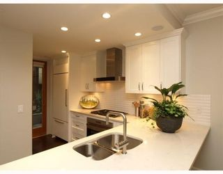 """Photo 2: #2 1891 Marine in West Vancouver: Ambleside Condo for sale in """"Park view place"""" : MLS®# V796758"""