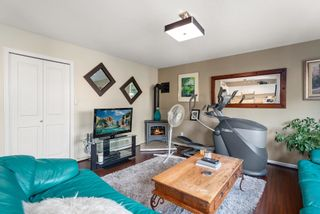 """Photo 36: 828 PARKER Street: White Rock House for sale in """"EAST BEACH"""" (South Surrey White Rock)  : MLS®# R2607727"""