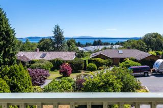 Photo 2: 8890 Haro Park Terr in : NS Dean Park House for sale (North Saanich)  : MLS®# 879588