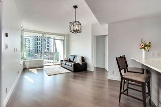 Photo 3: 817 3557 SAWMILL Crescent in Vancouver: South Marine Condo for sale (Vancouver East)  : MLS®# R2607484