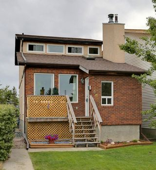 Photo 1: 4022 46 Street SW in Calgary: House for sale : MLS®# C4014489