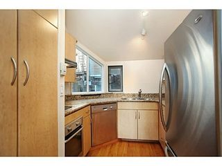 Photo 8: 107 1141 7TH Ave W in Vancouver West: Home for sale : MLS®# V1038154
