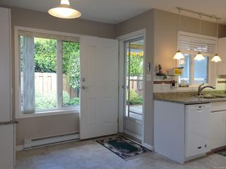 Photo 11: 2302 Amherst Ave in : Si Sidney North-East Half Duplex for sale (Sidney)  : MLS®# 878495