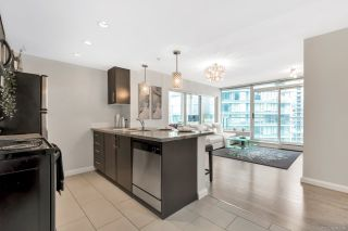 """Photo 2: 2506 688 ABBOTT Street in Vancouver: Downtown VW Condo for sale in """"THE FIRENZE II"""" (Vancouver West)  : MLS®# R2427192"""
