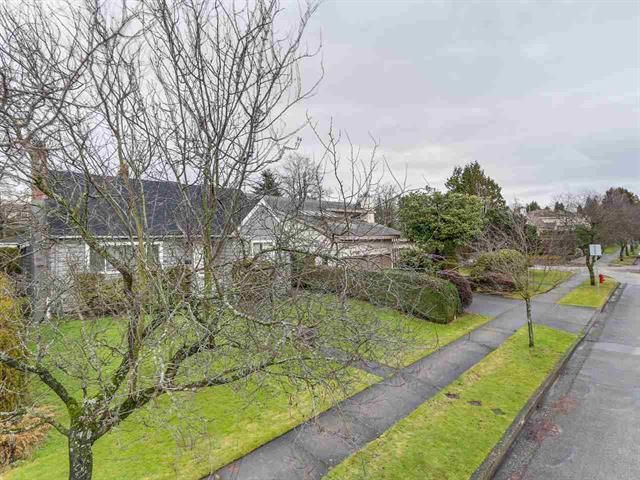 Photo 4: Photos: 1625 W 59TH AV in VANCOUVER: South Granville House for sale (Vancouver West)  : MLS®# R2133166