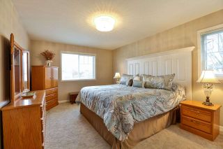 """Photo 11: 7 6177 169 Street in Surrey: Cloverdale BC Townhouse for sale in """"NORTHVIEW WALK"""" (Cloverdale)  : MLS®# R2256305"""