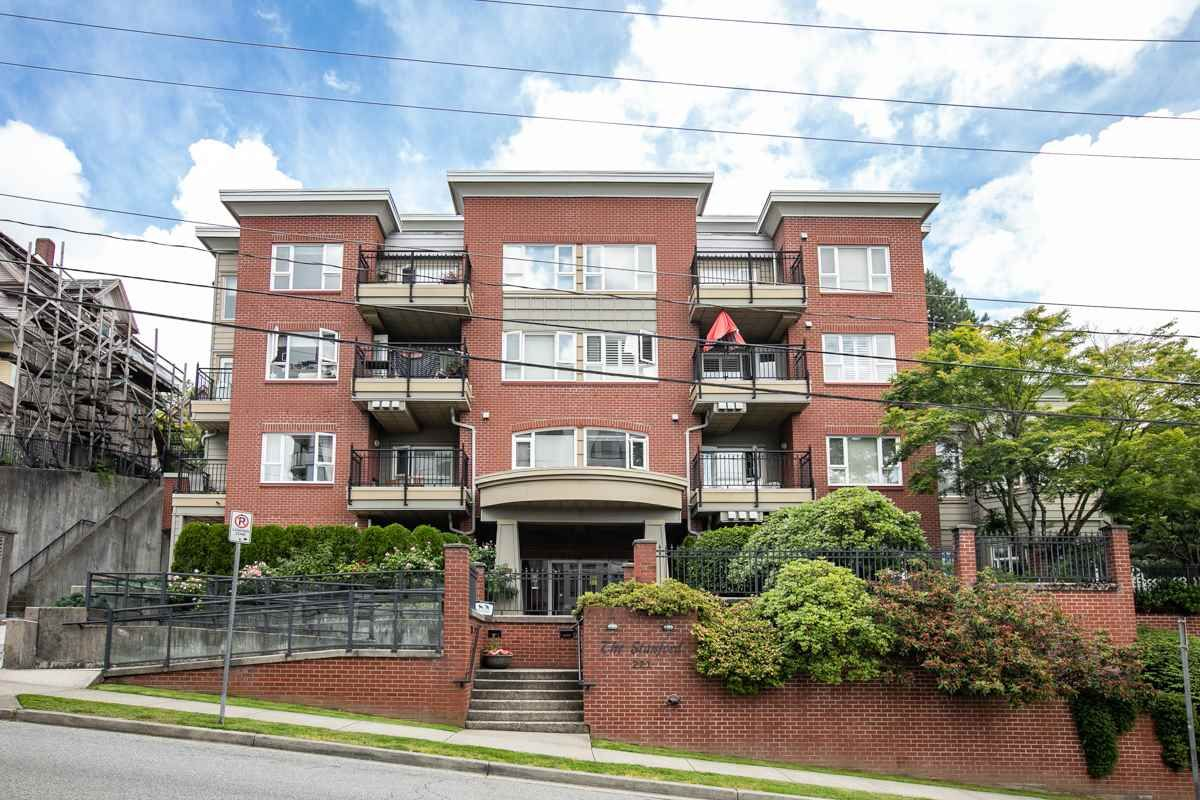 "Main Photo: 203 221 ELEVENTH Street in New Westminster: Uptown NW Condo for sale in ""THE STANDFORD"" : MLS®# R2464759"