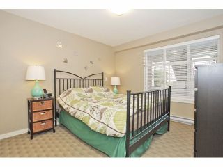 """Photo 12: 105 15621 MARINE Drive: White Rock Condo for sale in """"Pacific Point"""" (South Surrey White Rock)  : MLS®# F1320279"""