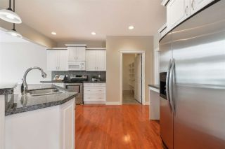 Photo 6: 1197 HOLLANDS Way in Edmonton: Zone 14 House for sale : MLS®# E4231201