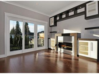 Photo 4: A 234 E 18TH Street in North Vancouver: Central Lonsdale 1/2 Duplex for sale : MLS®# V1069556