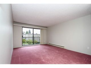 """Photo 4: 12 7549 HUMPHRIES Court in Burnaby: Edmonds BE Townhouse for sale in """"SOUTHWOOD COURT"""" (Burnaby East)  : MLS®# V1108085"""