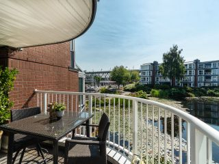 """Photo 9: 1594 ISLAND PARK Walk in Vancouver: False Creek Townhouse for sale in """"THE LAGOONS"""" (Vancouver West)  : MLS®# R2297532"""
