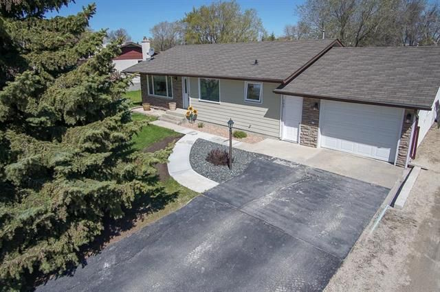 Main Photo: 503 First Avenue in Ile Des Chenes: R07 Residential for sale : MLS®# 1912683