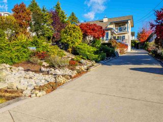 Photo 2: 4858 EAGLEVIEW ROAD in Sechelt: Sechelt District House for sale (Sunshine Coast)  : MLS®# R2516424